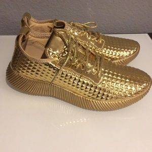 NEW Gold Pyramid Sneakers Tennis Shoes Size 8